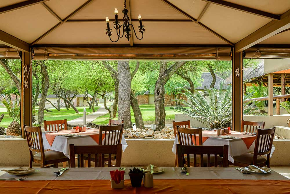 Tshukudu Restaurant - Mongena Game Lodge Near Pretoria